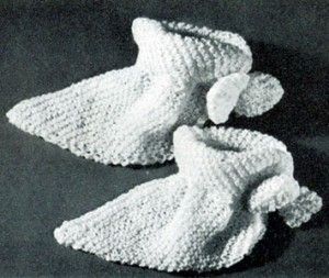 Bed Socks Knitting Pattern 2 Needles : Vintage Womens Soft and Cozy Knitted Bed Socks Free Pattern - Vintage Cr...