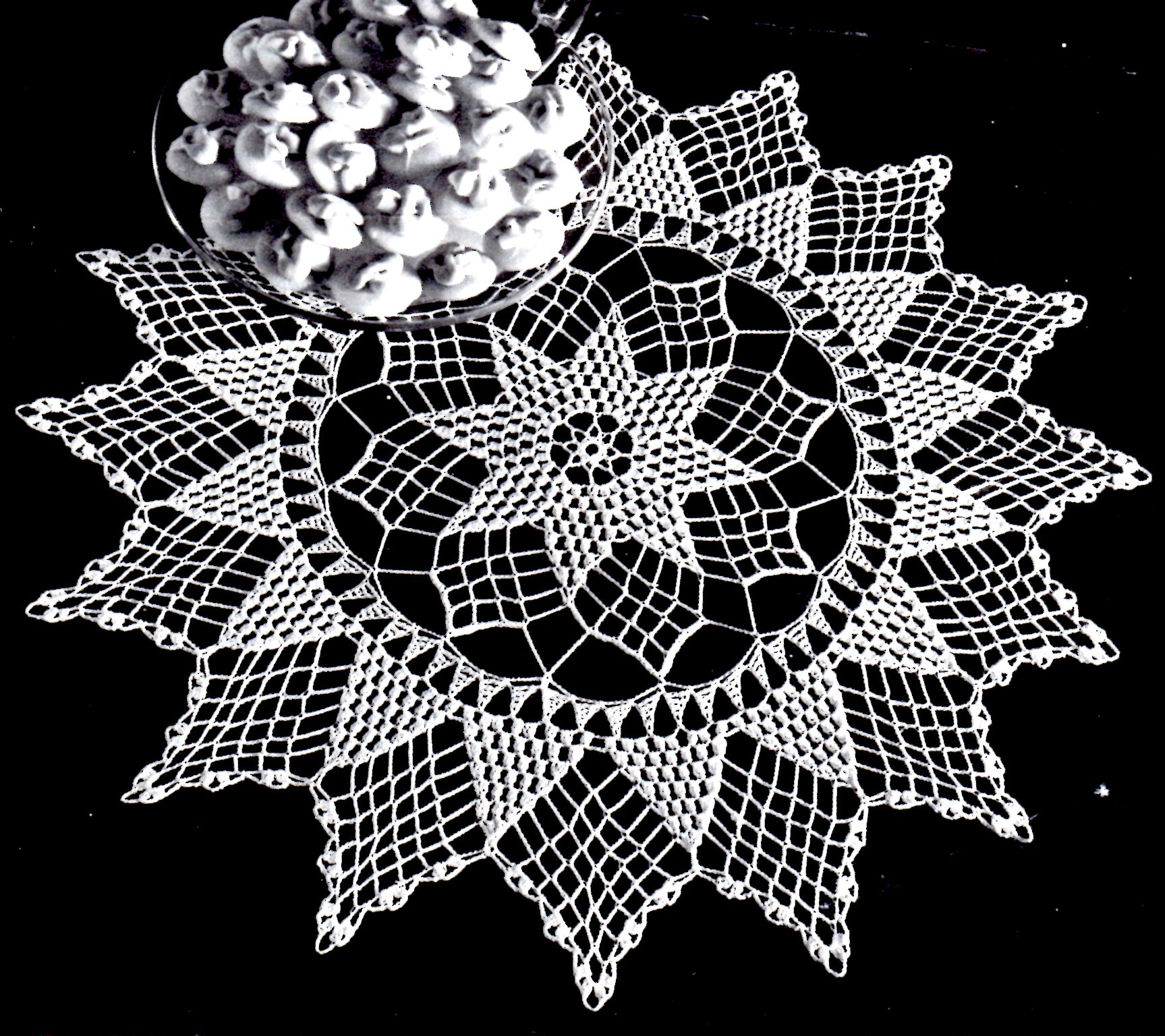 Free Vintage Crochet Pattern Beautiful Star Of Hope Doily Vintage