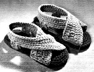 Womans Rug Yarn Crochet Sandals Pattern Photo - Vintage Crafts and More