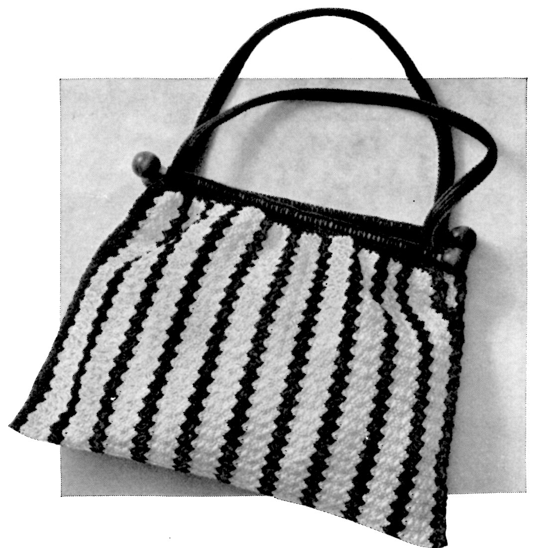Knitting Pattern For Book Bag : Free Crochet Bag Pattern to Hold Your Knitting A Crocheted Knitting Bag - Vin...