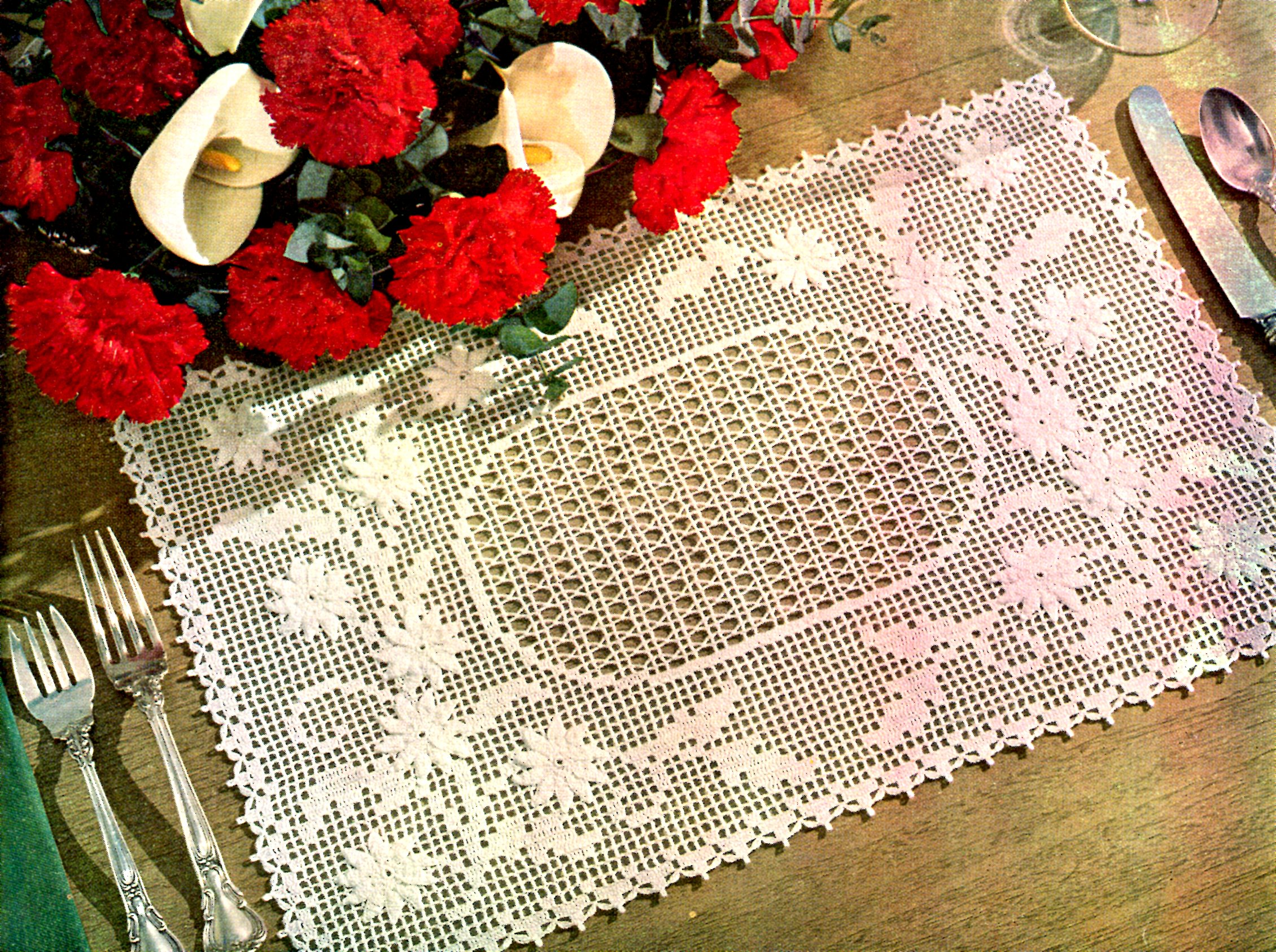 Embossed Daisy Placemat Free Filet Crochet Pattern Vintage Crafts